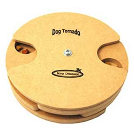Dog Tornado, trä
